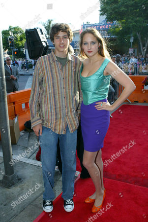 Stock Picture of Roby Sobieski and Leelee Sobieski