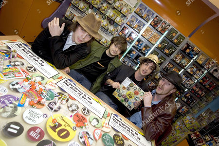 (from l) Gaz Coombes, Mick Quinn, Danny Goffey and Rob Coombes