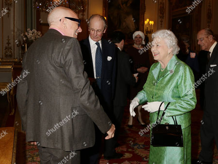 Queen Elizabeth II meets artist Brian Clarke, who designed the commemorative Winston Churchill Medallion