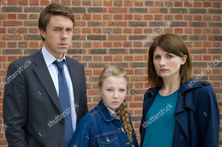 Andrew Buchan as Mark Latimer, Jodie Whittaker as Beth Latimer and Charlotte Beaumont as Chloe Latimer.