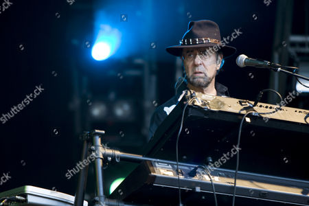 Manfred Mann, keyboarder and founder of the British band Manfred Mann's Earth Band live at the Magic Night on the Heitere in Zofingen, Switzerland