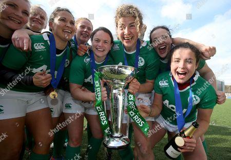 Ireland's Tania Rosser, Fiona Hayes, Jackie Sheilds, Jenny Murphy, Paula Fitzpatrick and Larissa Muldoon celebrate