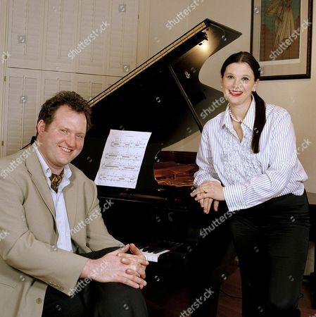 Stock Image of JULIAN GALLANT WITH WIFE OLGA BALAKLEYETS - JAN 2004