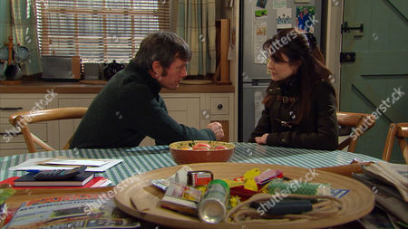 Emmerdale - Ep 7102 Tuesday 10th February 2015 As Debbie suggests Ross gives Emma Barton [GILLIAN KEARNEY] another chance, will Finn be as forgiving and will James Barton [BILL WARD] stick up for his estranged wife or will he be glad to see the back of her?