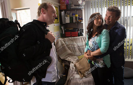 Neil Beckett [WILL TRAVIS] calls in to see Andrea Beckett [HAYLEY TAMADDON] and Lloyd Mullaney [CRAIG CHARLES] - he tells them he has been cautioned by the police and is leaving the country for good. Is their nightmare finally over?