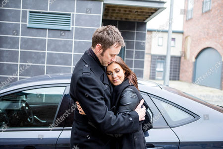 Andrea can't find a driver to take the factory girls to the awards ceremony, Steve volunteers - hurt after seeing Michelle Connor [KYM MARSH] kissing Hamish [JAMES REDMOND]