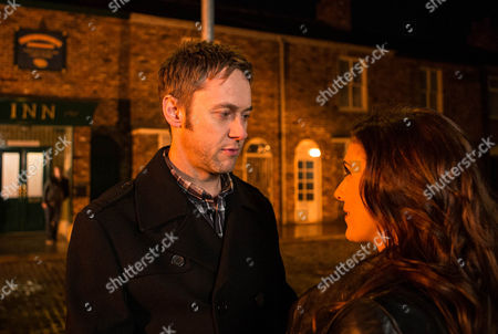 As Michelle Connor [KYM MARSH] and Hamish [JAMES REDMOND] meet in the bistro they're equally nervous but they soon hit it off and enjoy each other's company. As Hamish goes to kiss Michelle goodnight, Michelle clocks Steve McDonald [SIMON GREGSON] watching from the shadows. Will she respond?