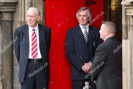Gordon Marshall Snr, Pat Jennings and John Robertson stand as a guard of honour at the entrance