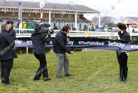 Nick Luck cuts the ribbon for the start of the flat season Doncaster