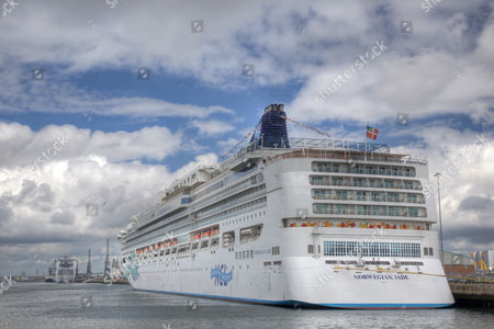 Norwegian Jade, cruise ship in the harbour of Southampton, England, UK, Europe