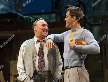 , Antony Sher as Willy Loman,  Alex Hassell as Biff