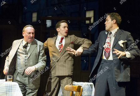 Antony Sher as Willy Loman, Sam Marks as Happy, Alex Hassell as Biff