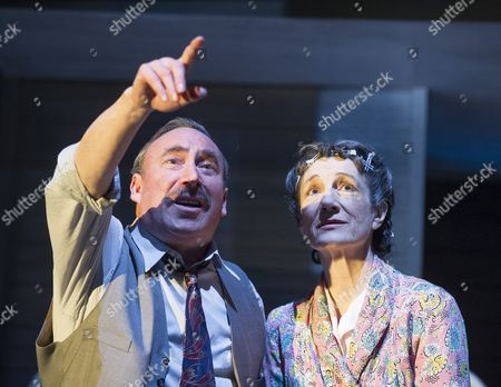 Stock Image of Antony Sher as Willy Loman, Harriet Walter as Linda Loman