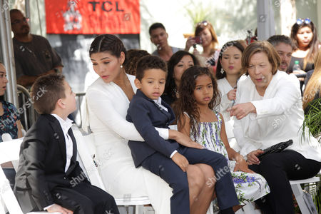 Paloma Jimenez, daughter Hania Riley and son Vincent Sinclair
