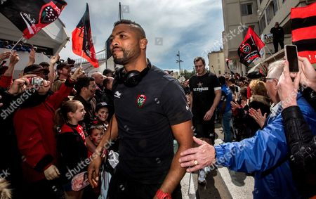 Toulon's Delon Armitage arrives for the game