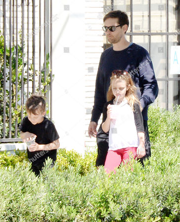 Tobey Maguire, Ruby Maguire, Otis Maguire