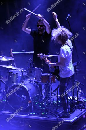 The Ting Tings - Katie White (guitar) and Jules De Martino (drums)