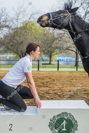 Olympian Kelly Sotherton races a horse (Murphy ridden by Hannah Brendon of Hyde Park Stables)