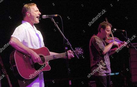 Stock Picture of Steve Harley and Cockney Rebel with violinist Barry Wickens