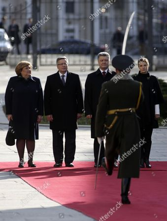 Bronislaw Komorowski and his wife Anna Komorowska, Petro Poroshenko and his wife Maryna Poroshenko