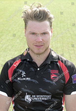 Tom Wells of Leicestershire CCC Natwest Pro 40 Kit