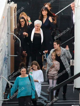 Bruce Willis, Emma Heming, Tallulah Belle Willis, Scout Larue Willis, Demi Moore and Marlene Willis