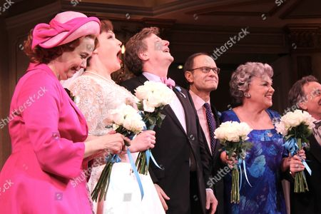 Harriet Harris, Lisa Howard, Brian Hargrove, David Hyde Pierce,