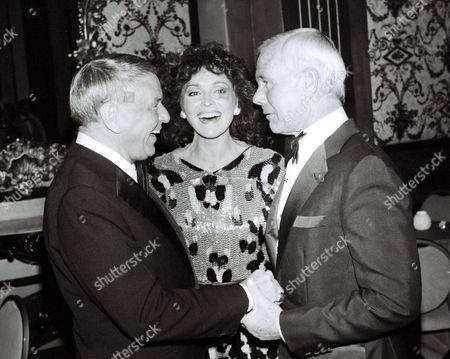 Frank Sinatra, Joanna Holland and Johnny Carson