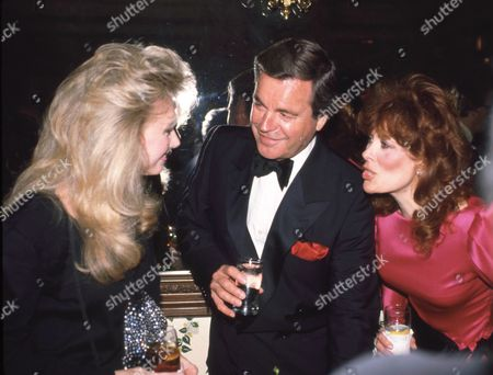 Morgan Fairchild, Robert Wagner and Jill St. John