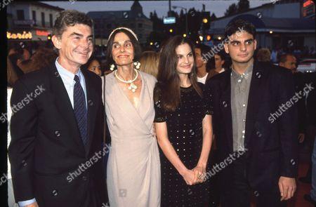 Richard Benjamin, Paula Prentiss and children