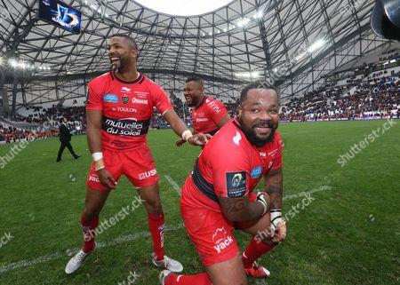 ToulonÕs Delon Armitage, Steffon Armitage and Mathieu Bastareaud celebrate