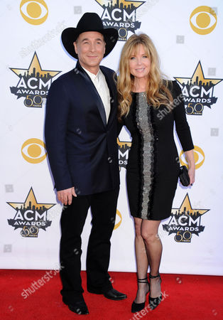 Clint Black and wife Lisa Hartman Black
