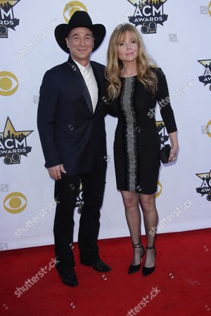 Clint Black and Lisa Hartman Black