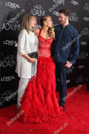 Elaine Lively (mother), Blake Lively and Eric Lively (brother)