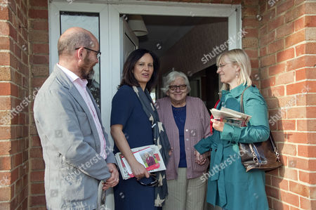 Editorial image of Shadow Energy Secretary Caroline Flint MP and Labour candidate for Swindon South Anne Snelgrove on general election campaign in Walcot, Swindon, Wiltshire, Britain - 21 Apr 2015