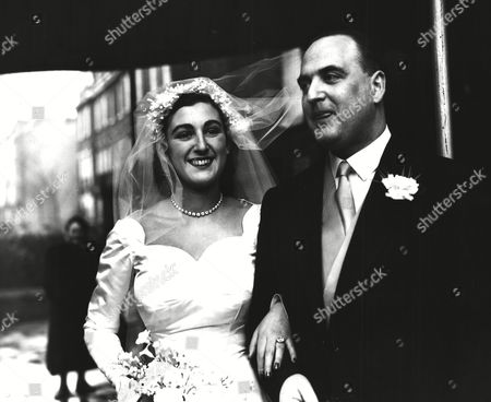 Jane Sieff after her wedding to Arthur George Weidenfeld at the West End Synagogue, Bayswater.