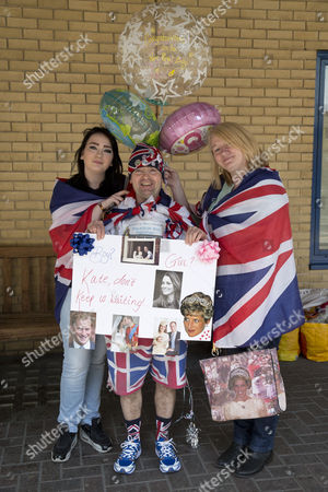 Amy Thompson, 14  and mother Maria Scott from Newcastle with John loughrey, 60 from Wandsworth