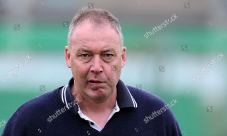 Middlesex's Coach Angus Fraser