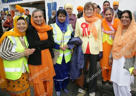 Sikhs women with Fiona MacTaggart prospective Labour MP for Slough