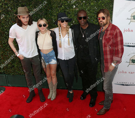 Braison Cyrus, Noah Cyrus, Letitia Cyrus and Corey Gamble and Billy Ray Cyrus
