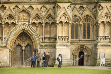 St. Andrew's Cathedral, people, entrance, portal, Wells, Somerset, England, Great Britain, Europe