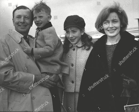 Actor Leslie Randall And His Actress Wife Joan Leaving London Airport With Their Children For Canada. Box 556.
