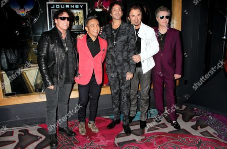 Neal Schon, Arnel Pineda, Dean Castronovo, Jonathan Cain and Ross Valory - Journey