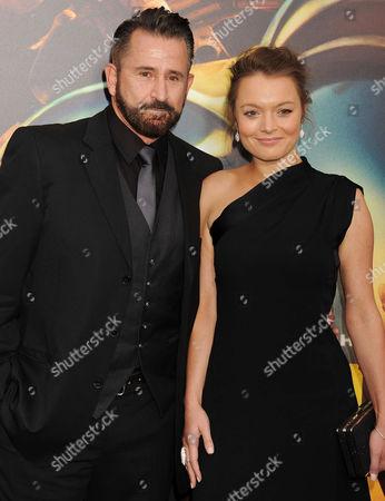 Anthony LaPaglia and Gia Carides