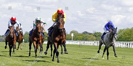 AGENT MURPHY (Jimmy Fortune) beats FELIX MENDELSSOHN (2nd left) and WINTER THUNDER (right) in The Carey Group Buckhounds Stakes Ascot