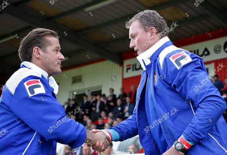 CAPTION CORRECTION Dave Beasant of Stevenage and Graham Westley of Stevenage