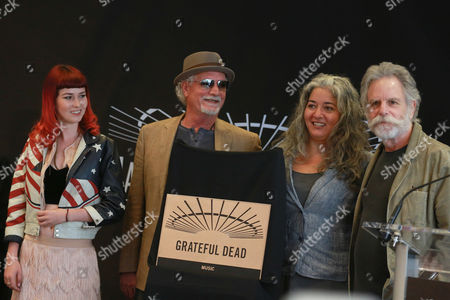 Reya Hart, Bill Kreutzmann, Trixie Garcia, Bob Weir