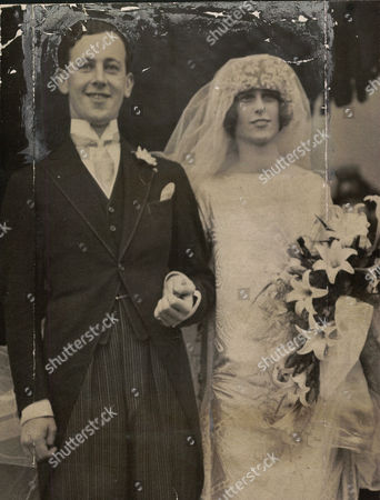 Hon. Dominick Browne (4th Baron Oranmore And Browne) And Bride Mildred Egerton After Their Wedding At St Margaret's Westminster.