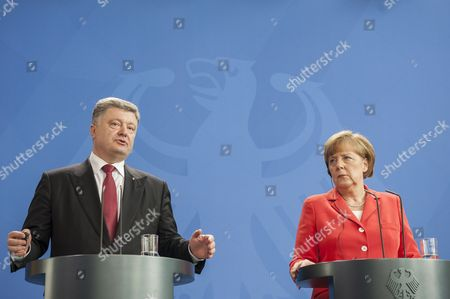 Ukrainian President Petro Poroshenko and German Chancellor Angela Merkel