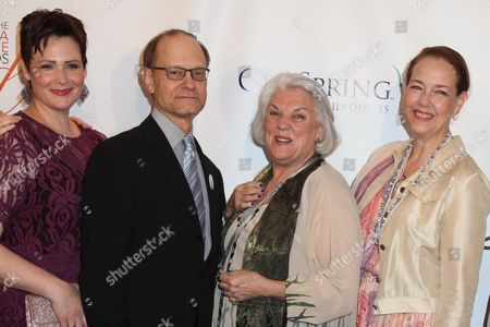 Lisa Howard, David Hyde Pierce, Tyne Daly and Harriet Harris